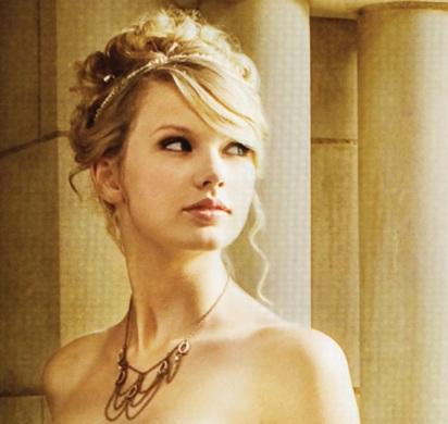 Taylor Swift, princesa perfeita. Deixa eu ser seu Romeu e vem ser minha Love Story. SUA LINDA!