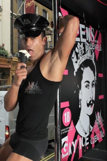 Homem que é homi come sorvete