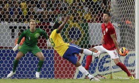 Paulinho fodedor de ingleses marca um gol mais lindo